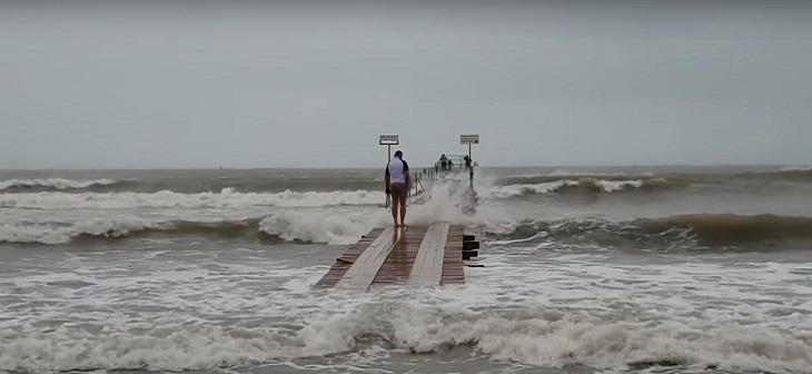 В Анапе ввели запрет на купание на всех пляжах 1