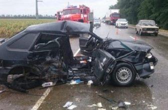 В Тимашевском районе при лобовом столкновении автомобиля погибла женщина 12